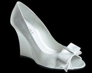 Туфли на высоком каблуке черно-белые